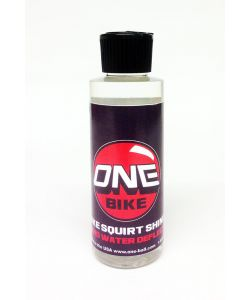 ONEBALL SHINE SQUIRT BOTTLE 4oz